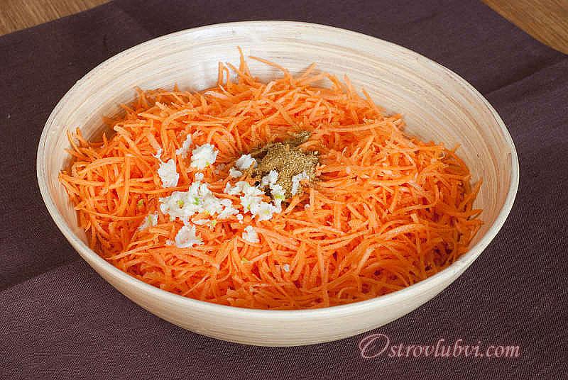 Салат из моркови с сыром 4