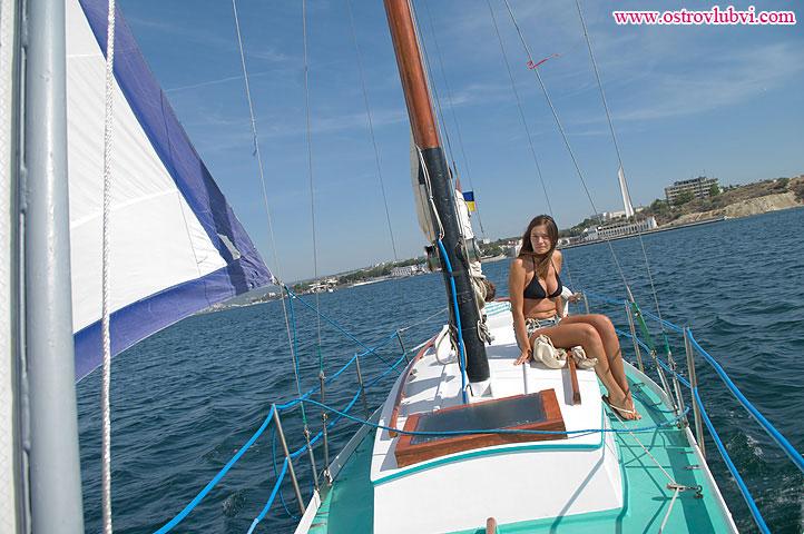 Алена на яхте