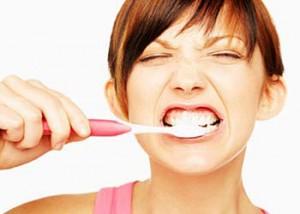 Причины запаха изо рта