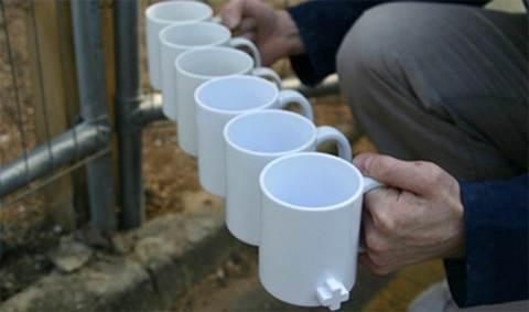 Чашки в ряд