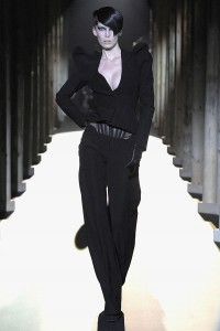 Мода в Париже Thierry Mugler Fall 2011 (Фото 2)
