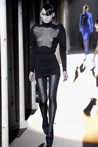 Мода в Париже Thierry Mugler Fall 2011 (Фото 18)