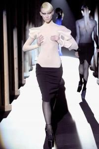 Мода в Париже Thierry Mugler Fall 2011 (Фото 21)