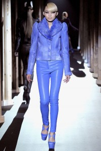 Мода в Париже Thierry Mugler Fall 2011 (Фото 24)