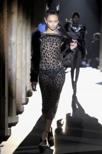 Мода в Париже Thierry Mugler Fall 2011 (Фото 26)