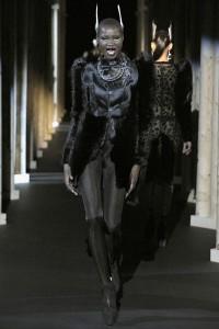 Мода в Париже Thierry Mugler Fall 2011 (Фото 27)