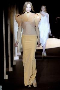 Мода в Париже Thierry Mugler Fall 2011 (Фото 33)