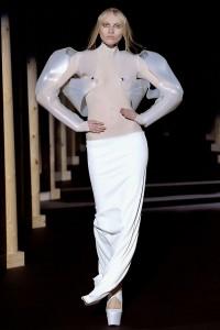 Мода в Париже Thierry Mugler Fall 2011 (Фото 36)