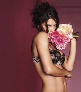 Нижнее белье Victoria Secret (фото 1)