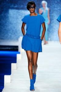 Одежда синих оттенков