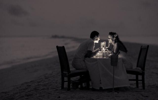 Заключение брака на побережье ласкового моря