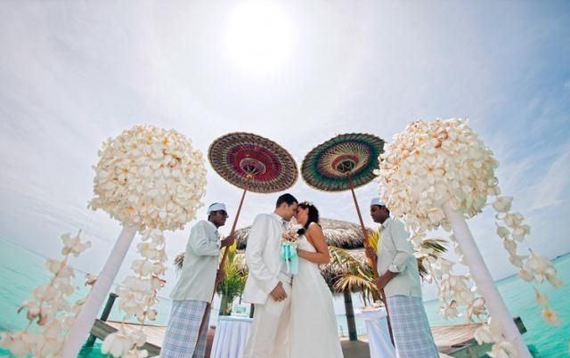 Свадьба в раю на морском побережье
