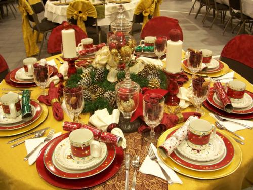 Как украсить новогодний стол 2012