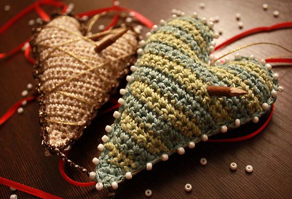 Новогоднее вязаное сердце