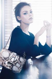 Мила Кунис в фотосете для Christian Dior (весна/лето 2012) фото 2