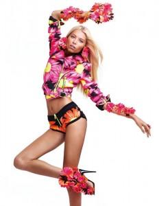 Вика Фалилеева в рекламной компании Blumarine весна 2012 (фото 1)