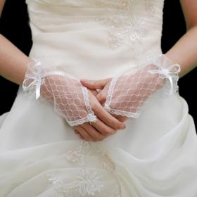 Свадебные перчатки 12