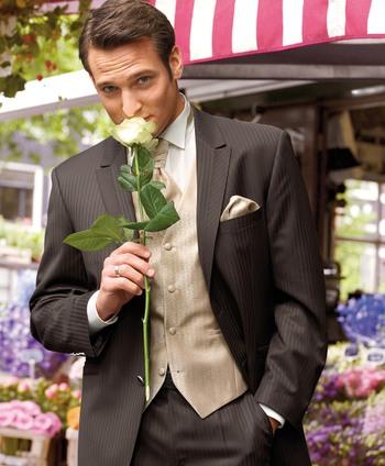 Свадебный мужской костюм 13