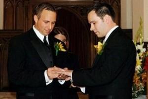 легализировали однополые браки