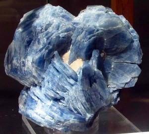 кристалл сапфира