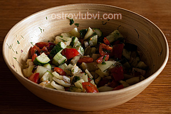 Салат из свежих овощей - фото 6