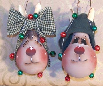 Новогодние игрушки из лампочек - фото 15