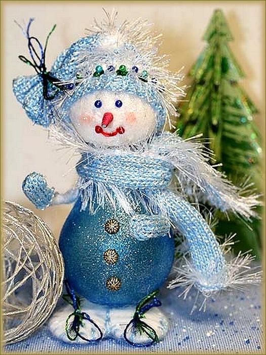 Новогодние игрушки из лампочек - фото 10