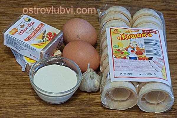 Салат с сыром и чесноком - Ингредиенты