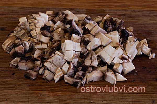 Спагетти с грибами и сосисками - фото 3