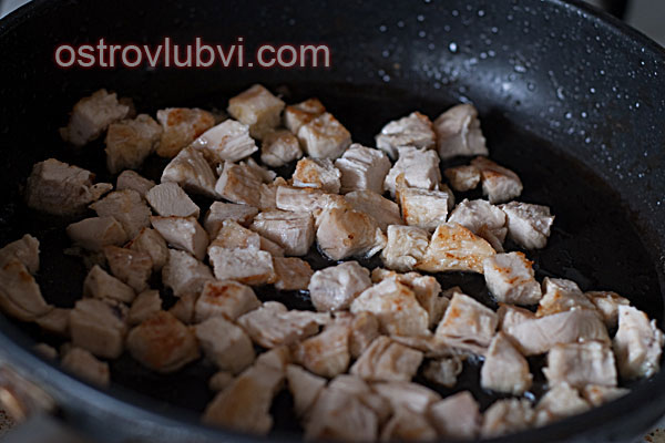 Салат из курицы, редиса и орехов - фото 4
