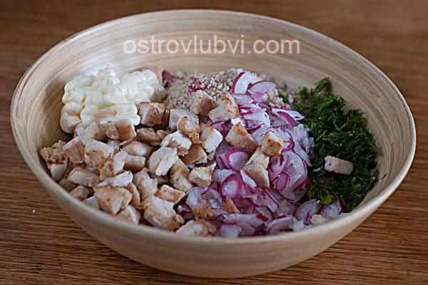 Салат из курицы, редиса и орехов - фото 5