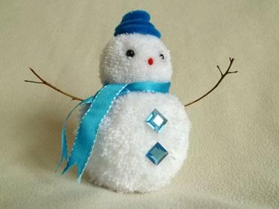 Снеговик из помпонов - фото 9