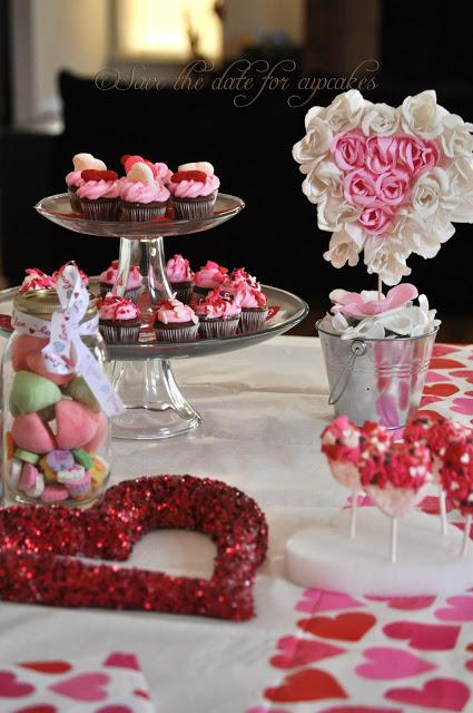 Стол на день святого Валентина - фото 26