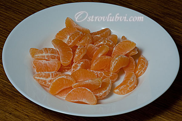 Салат из креветок и мандаринов - фото 2