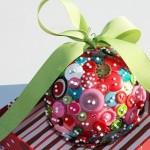 Новогодние игрушки из пуговиц - фото 12