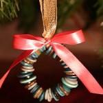 Новогодние игрушки из пуговиц - фото 21