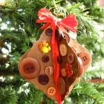 Новогодние игрушки из пуговиц - фото 6