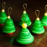 Новогодние игрушки из пуговиц - фото 8