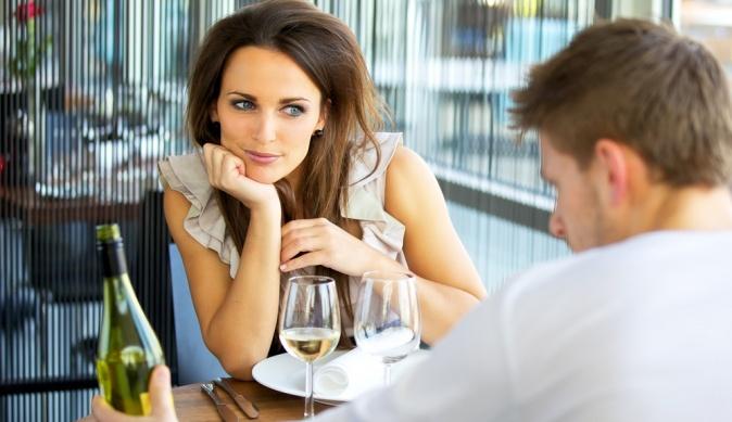 Как показать мужчине, что он вам нравится