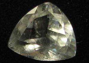Бериллонит - свойства