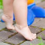 Ребенок ходит на носочках: что делать?